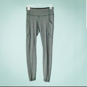 Lululemon size 4 tights